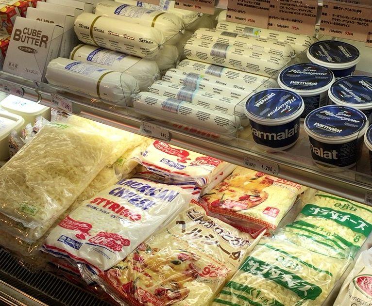 山京の洋日配商品コーナー