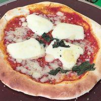 ラ・カメーラ特製ピザ